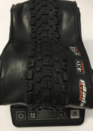 maxxis-ardent-race-29-2.2-tubeless-ready-tire-weight