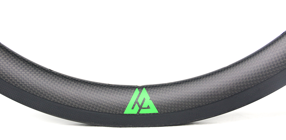 subtle appearance for BMX carbon wheel