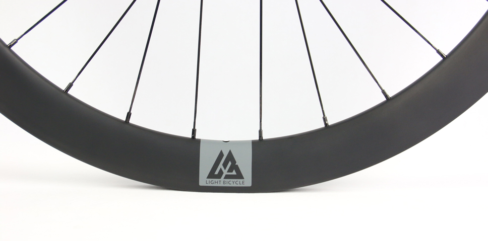 Tune hubs with lightest carbon road disc wheels