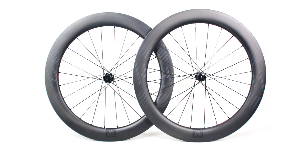 WR65 wide and deep carbon rim