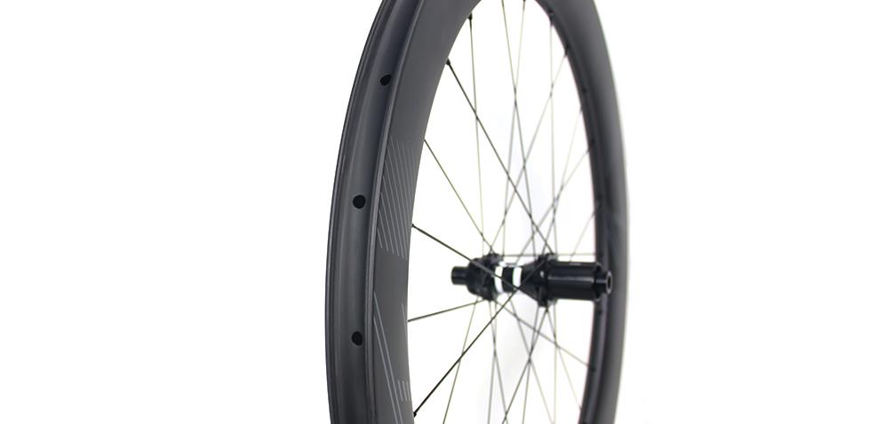 WR65 aerodynamic carbon wheels