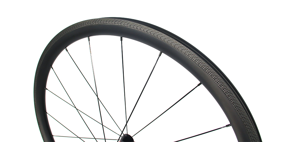 carbon-road-rim-with-Pillar-bladed-spokes