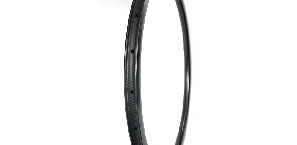 35mm deep 28mm wide super light carbon rim