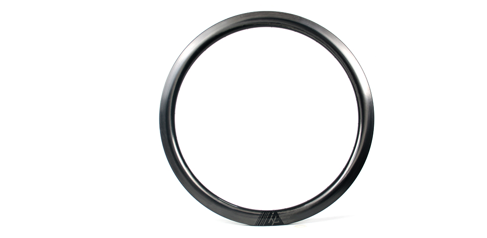45mm deep 28mm wide super light carbon hoop