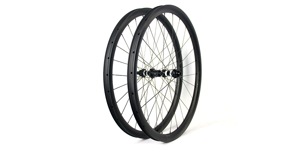durable carbon bicycle wheels in road riding