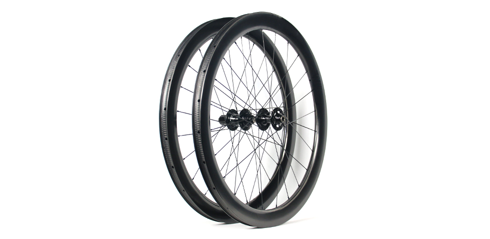 UD-weave-low-rolling-resistance-carbon-road-disc-wheels