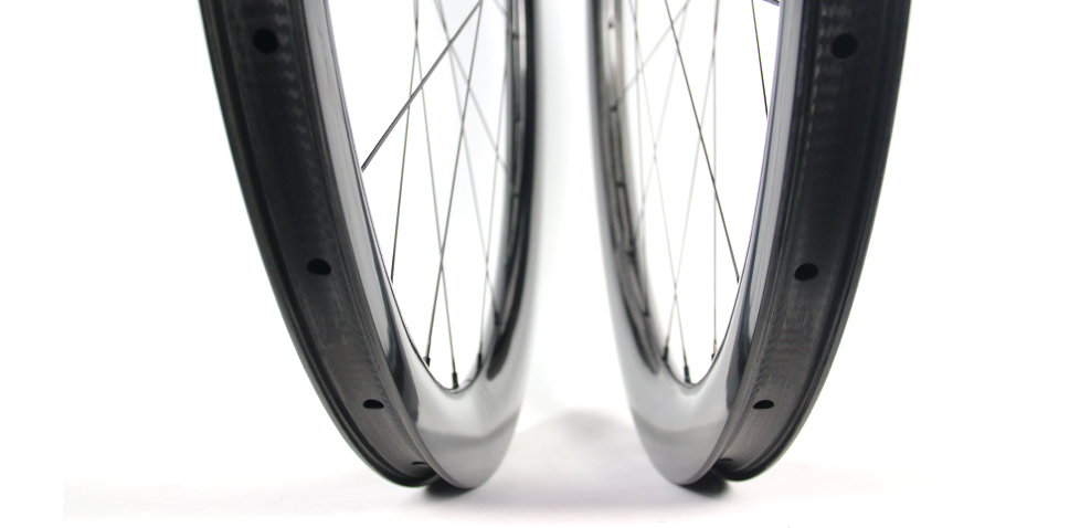 deep-gravel-disc-bicycle-wheel