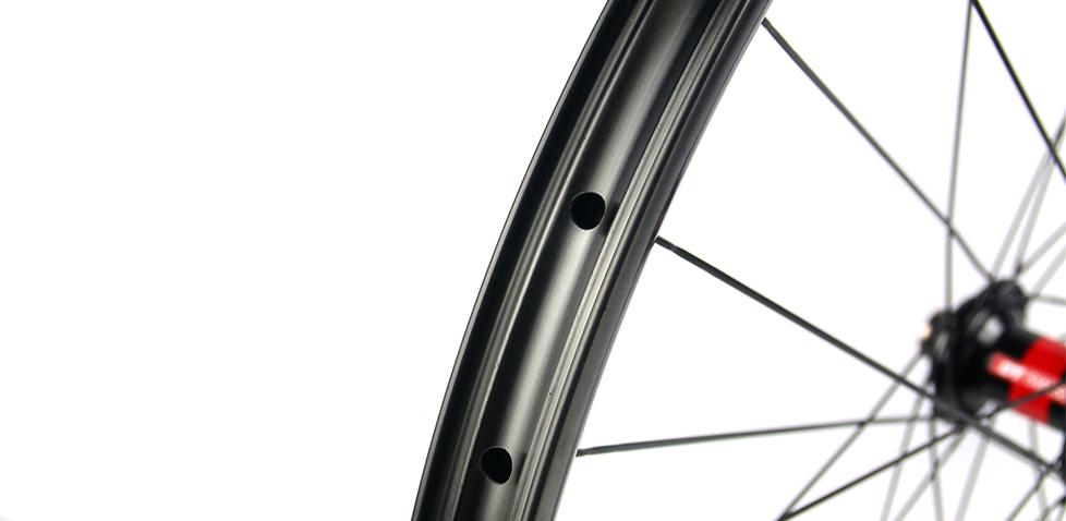 Hand-built AM727 asymmetric rim profile carbon fiber mtb