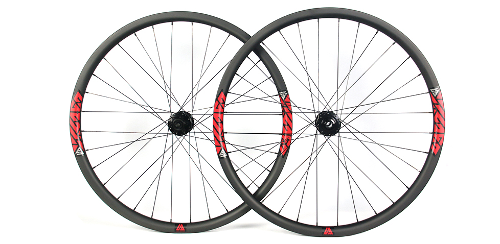 Hand-built AM928 asymmetric rim profile carbon fiber mtb