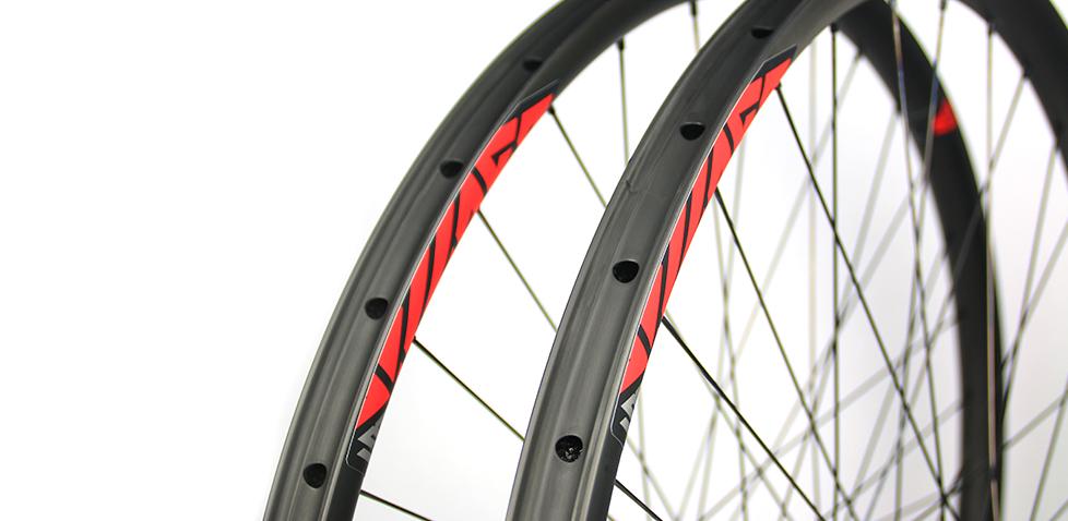 lightweight-carbon-29er-wheels