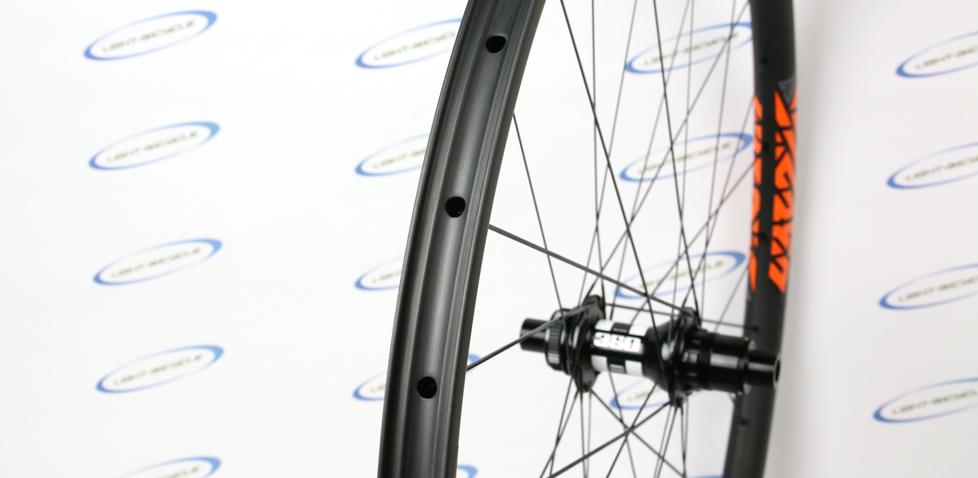 lightweight carbon 29er wheels