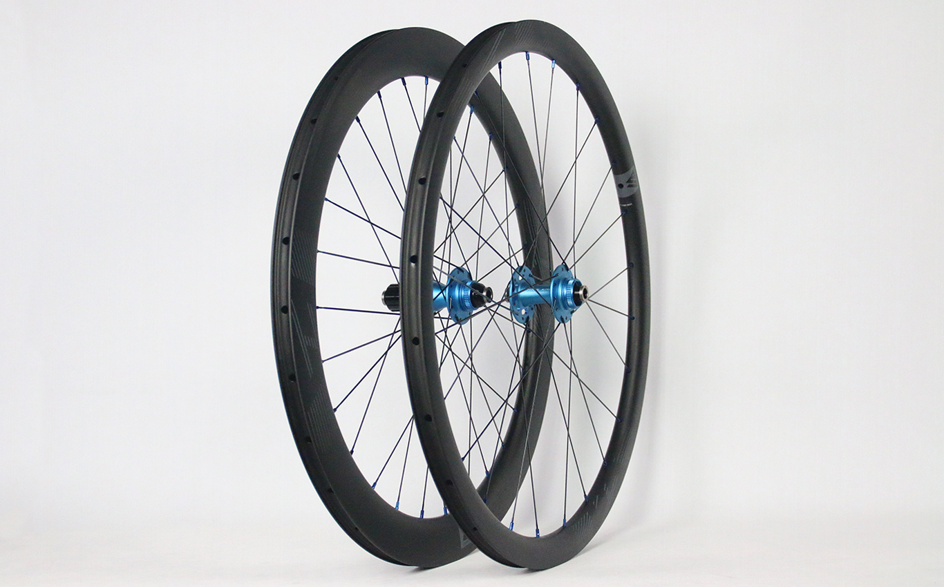 700c-carbon-wheelset-with-Chris-King-R45D-j-bend-centerlock-road-hubs-matte-turquoise