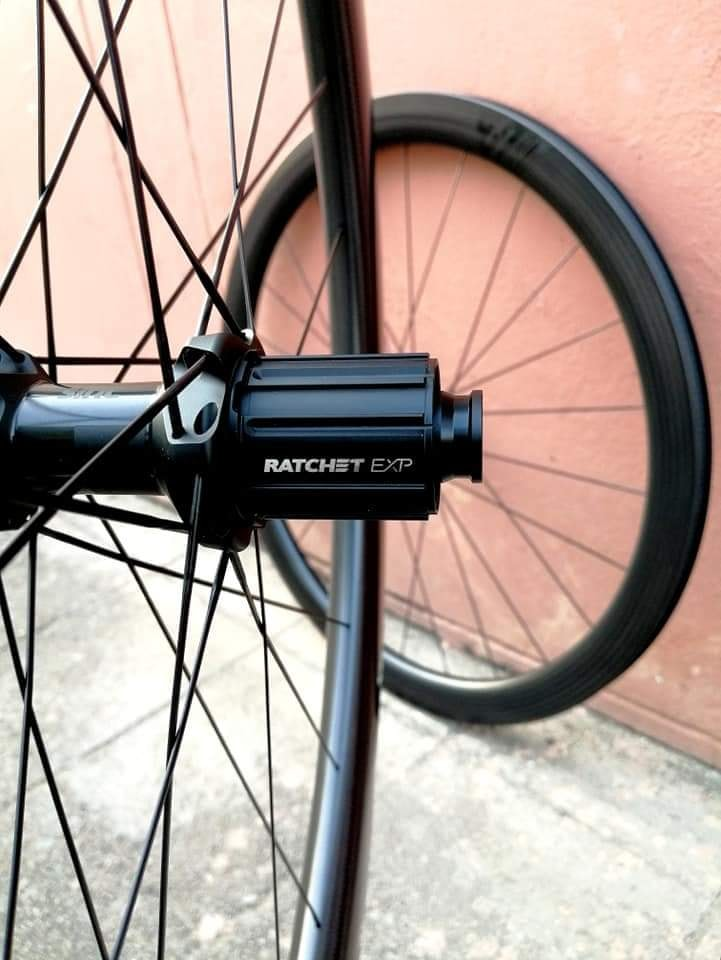 light-bicycle-falcon-pro-ar45-disc-road-carbon-wheelset