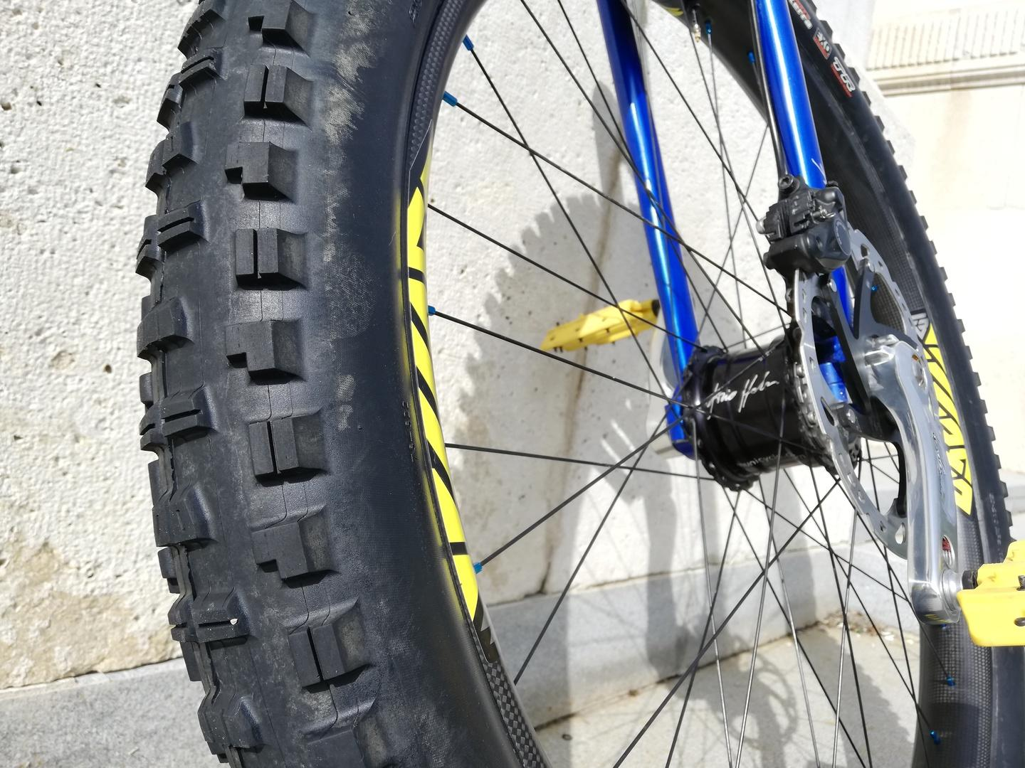 Unicycle with MAXXIS tires with Light Bicycle 29er mtb rim