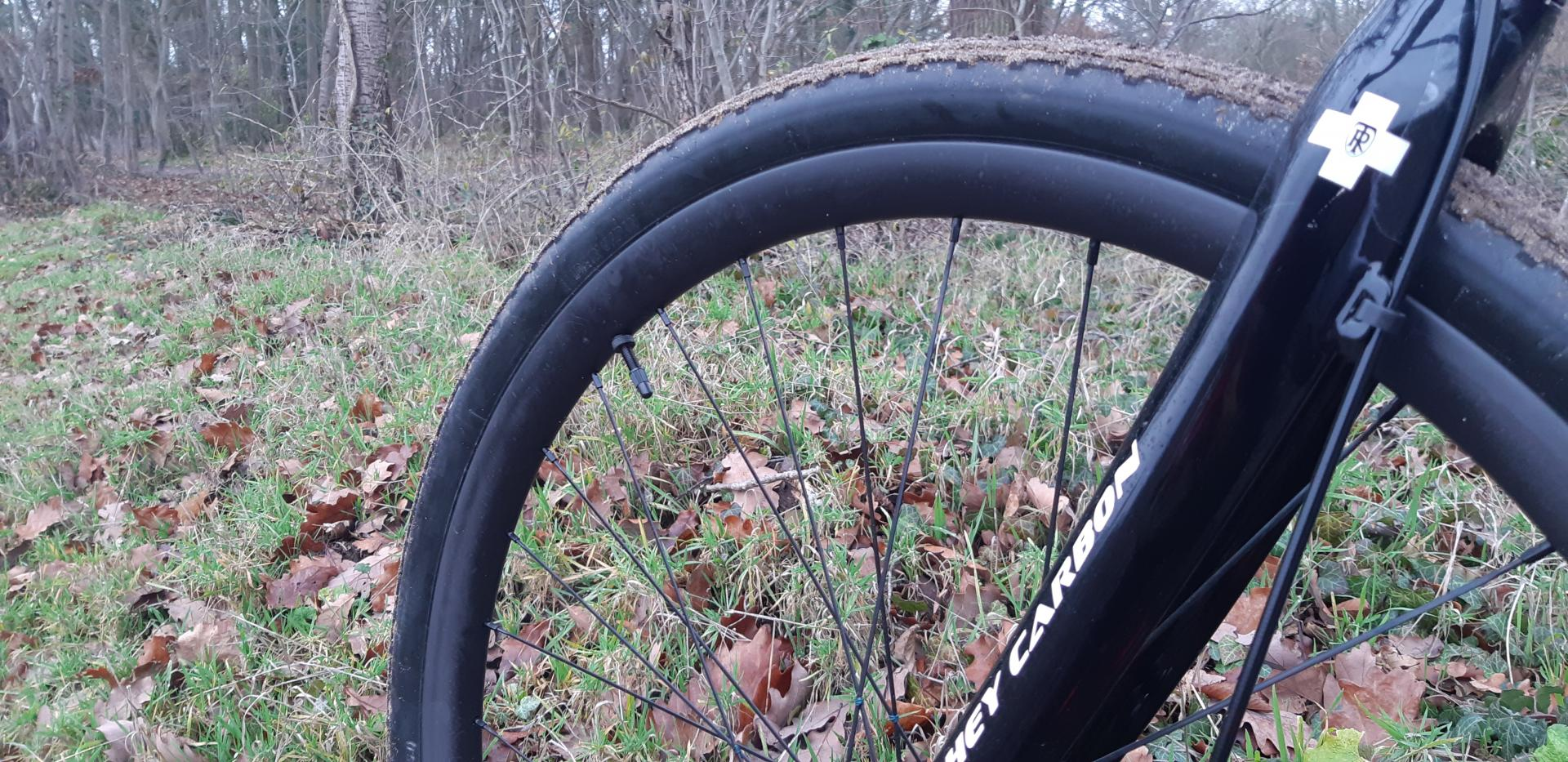 29er-clincher-gravel-cyclocross-29mm-wide-28mm-deep-rims-Polyax-nipples