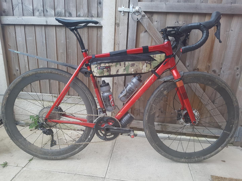 carbon-rim-with-Schwalbe-G-One-Allround-tire