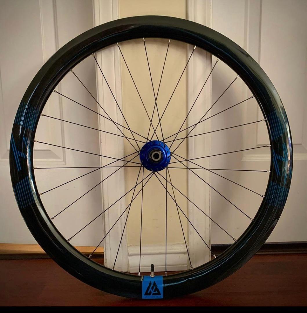 Chris-King-R45D-46mm-road-disc-carbon-wheel-blue-decals