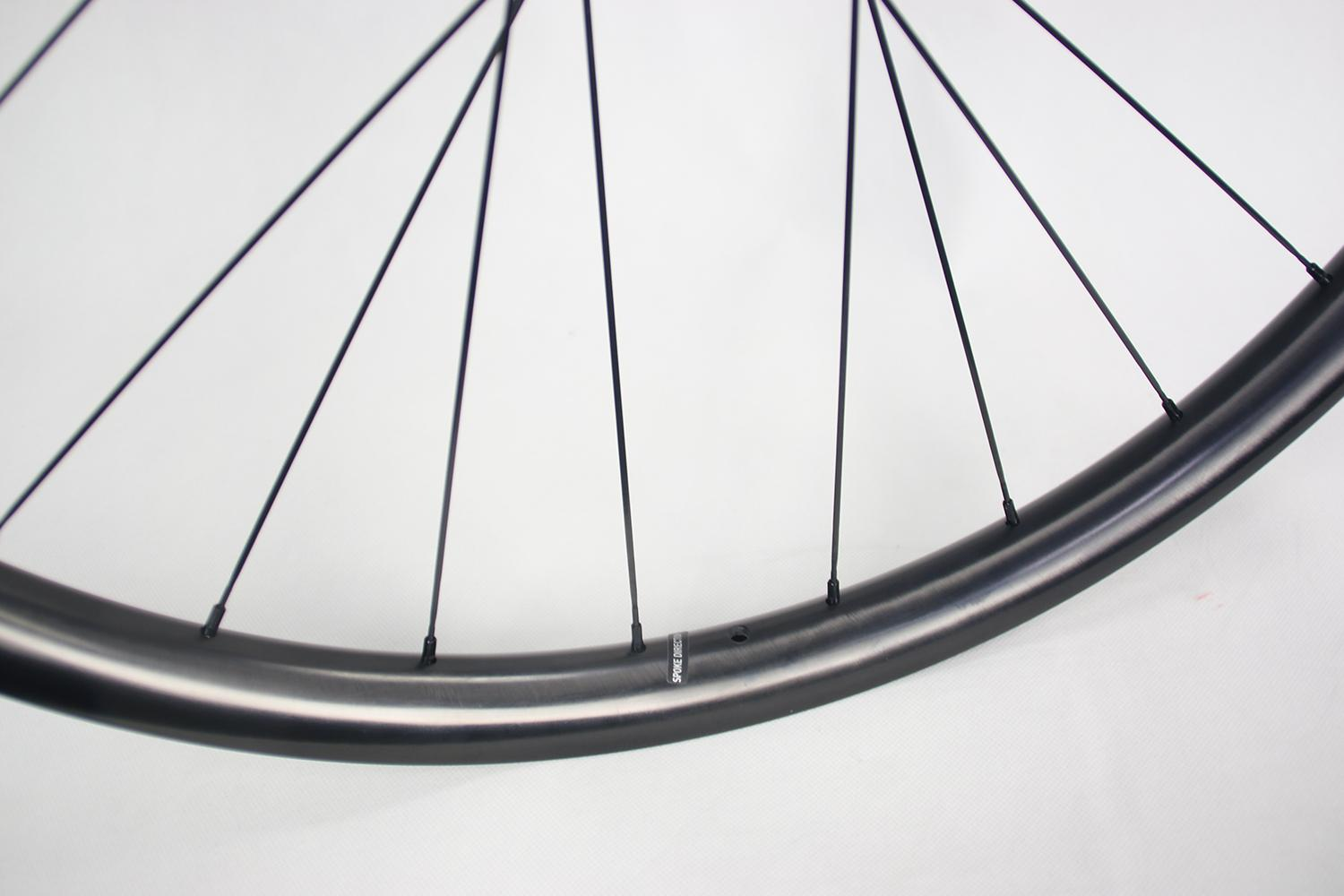 ud-paintless-finish-am930-carbon-wheel