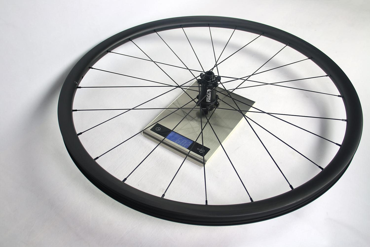 measured-weight-of-light-bicycle-ar28-front-wheel-with-carbon-ti-x-hub