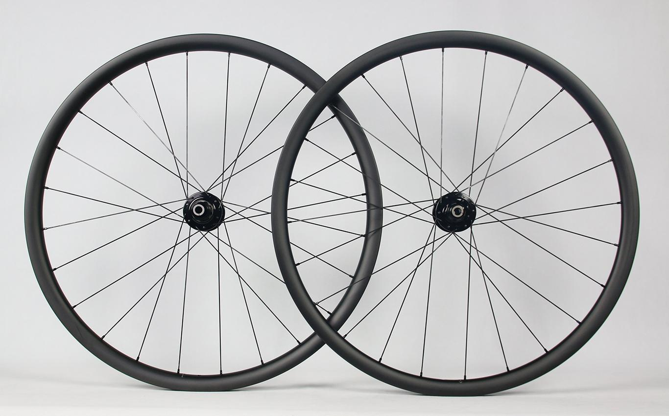 700C-AR28-ud-matte-finish-road-disc-carbon-wheelset