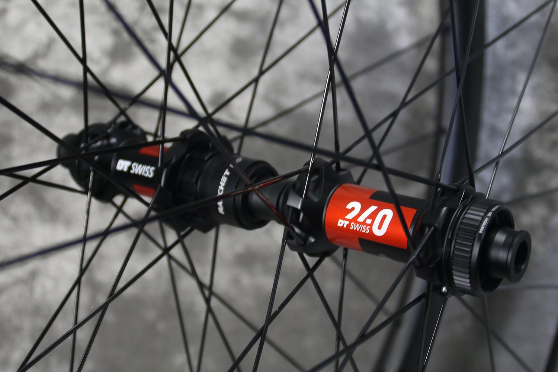dt-swiss-240-exp-straightpull-centerlock-road-disc-hubs-36t