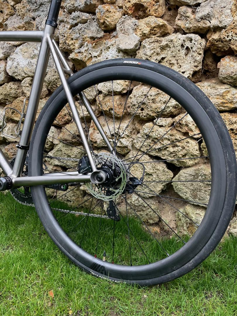 light-bicycle-ar35-disc-35mm-carbon-road-wheel-rear