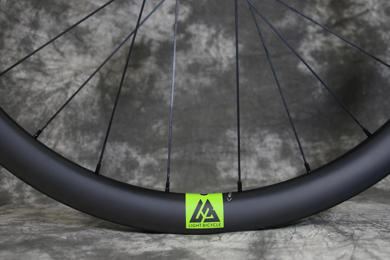 light-bicycle-rim-valve-decal-green