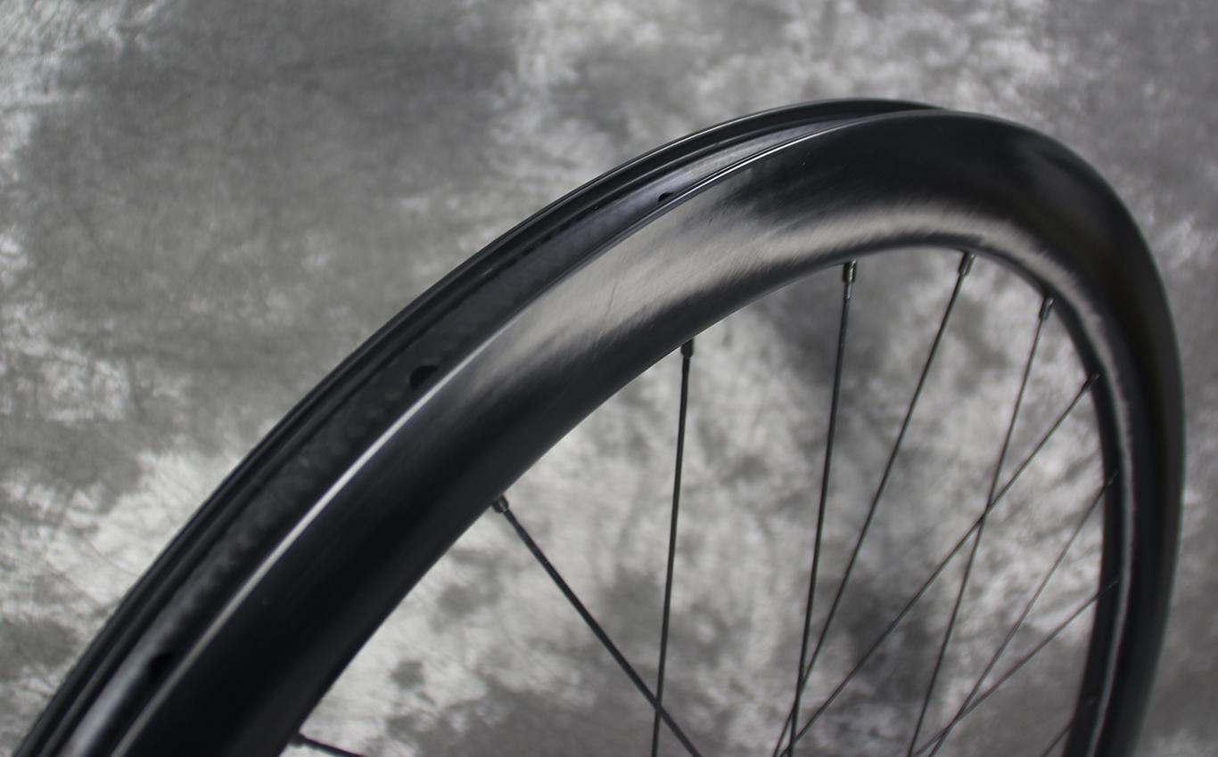 700c-ar45-paintless-finish-ud-fiber-carbon-rim-wheel