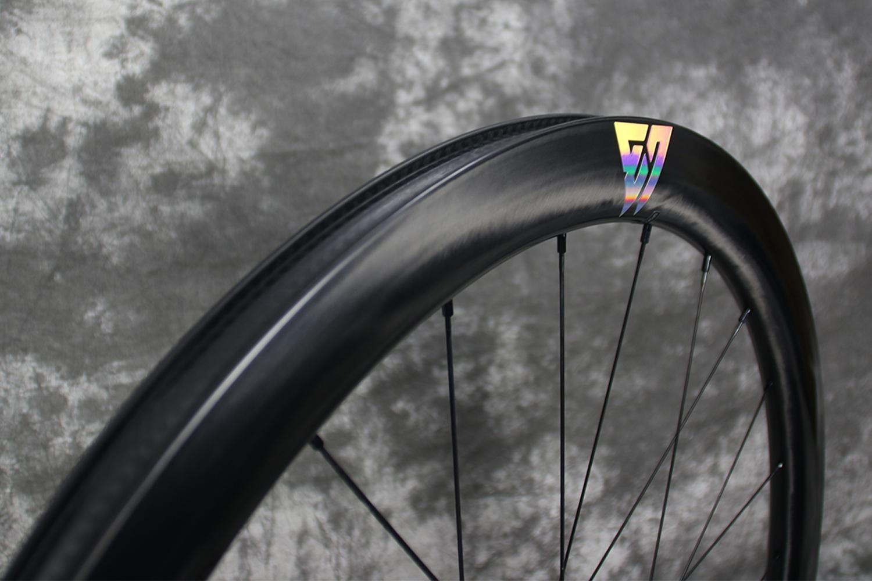 45mm-depth-road-disc-carbon-wheel-oil-slick-color-vinyl-decal