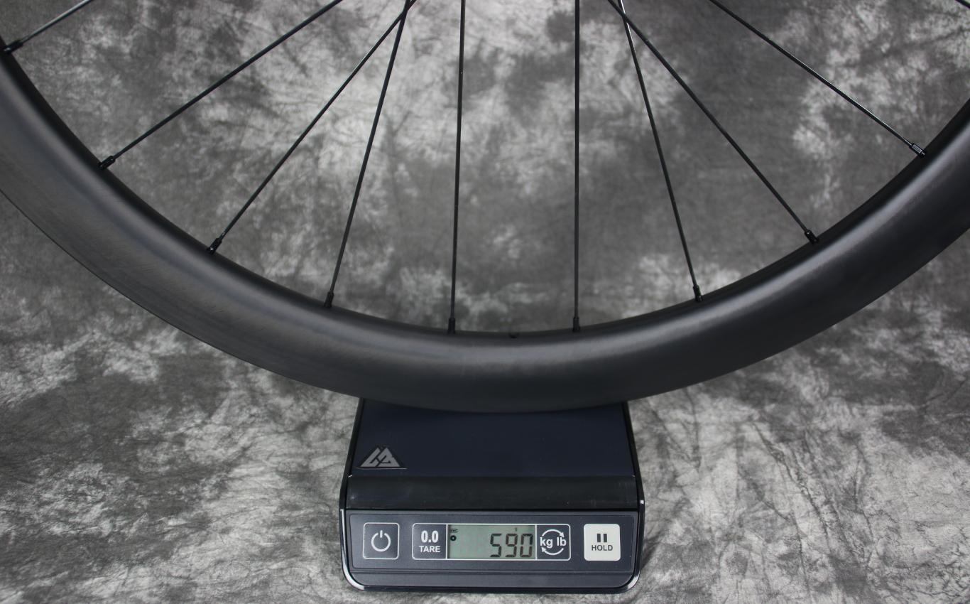 measured-weight-of-flyweight-ar45-road-disc-carbon-wheel-front