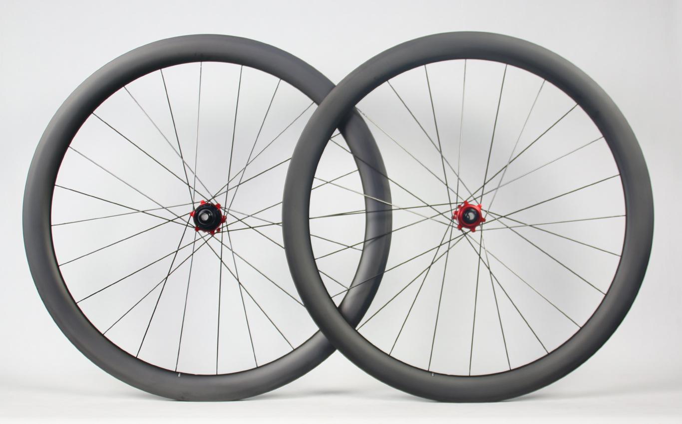 700c-46mm-depth-carbon-wheelset-matte-ud-road-disc