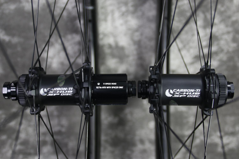 Carbon-Ti-X-Hub-SP-Disc-road-hubs-matte-black-11-speed