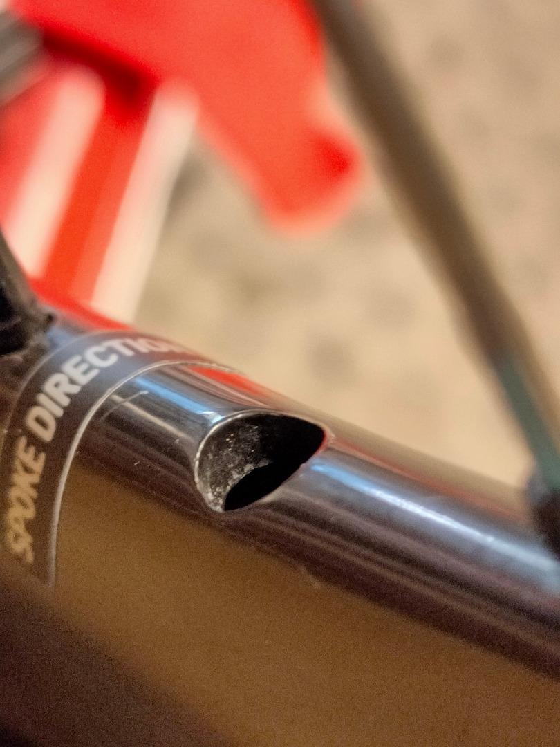 carbon-bicycle-rim-smooth-valve-hole-drilling
