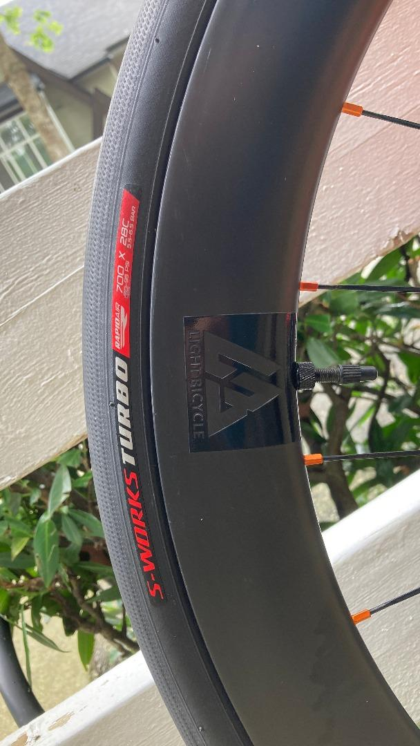 56mm-carbon-road-wheel-with-s-works-turbo-700-28c-tire