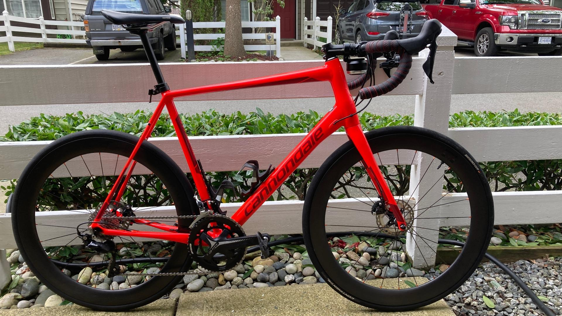 AR56-56mm-700c-carbon-wheels-on-cannondale-road-disc-frame