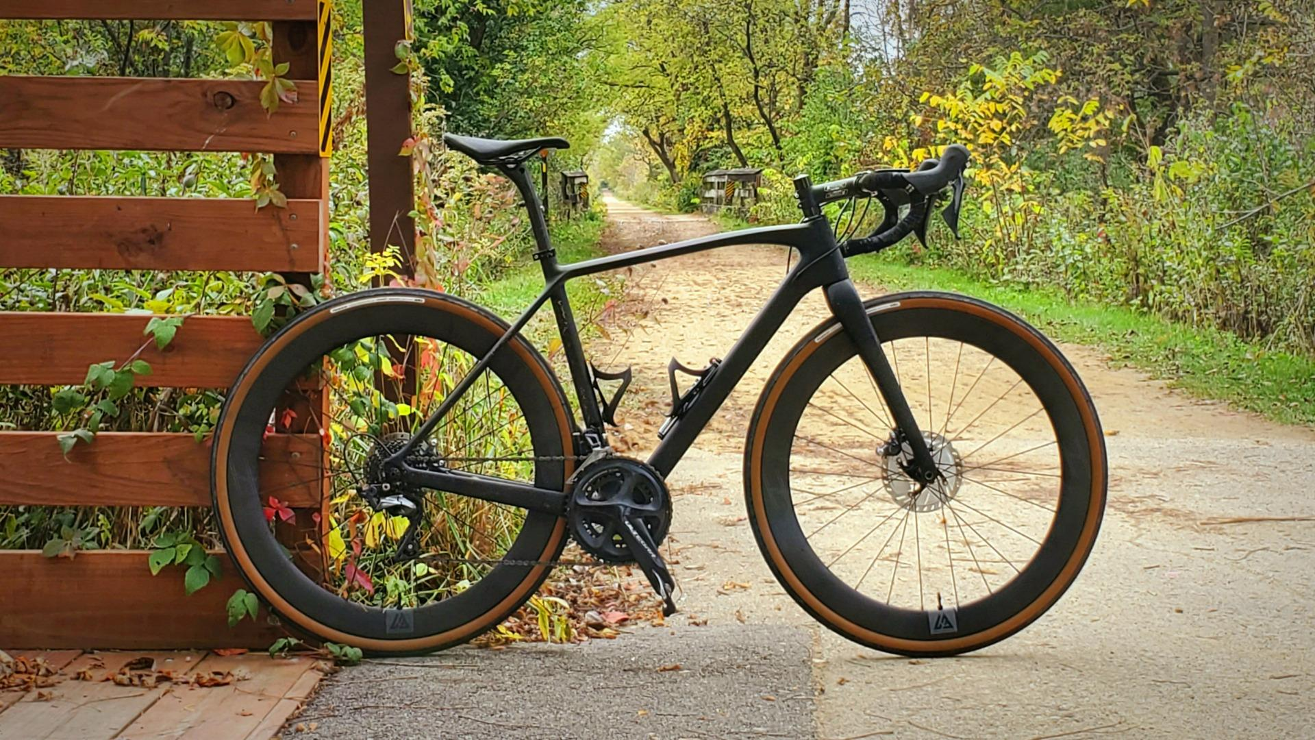 ican-cyclocross-ac388-bike-with-56mm-carbon-rimmed-wheels