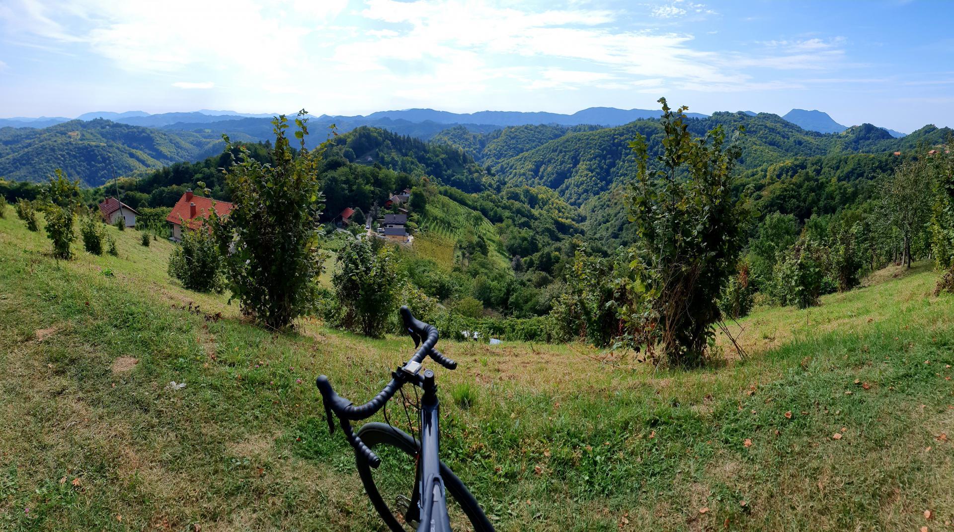 slovenia-gravel-biking-trek-domane-sl-5-disc
