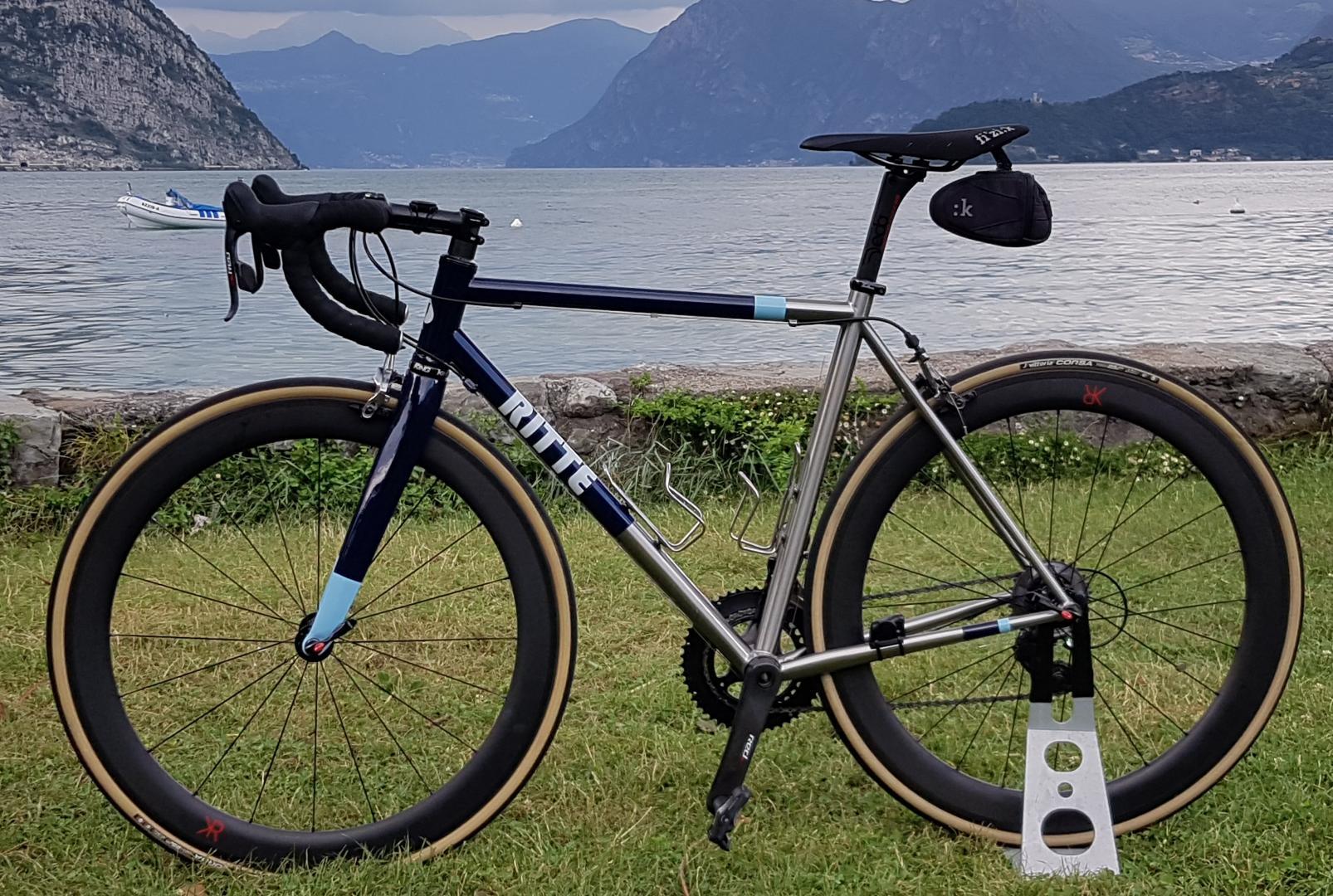 carbon-fiber-700c-55mm-deep-25mm-wide-road-bike-wheels