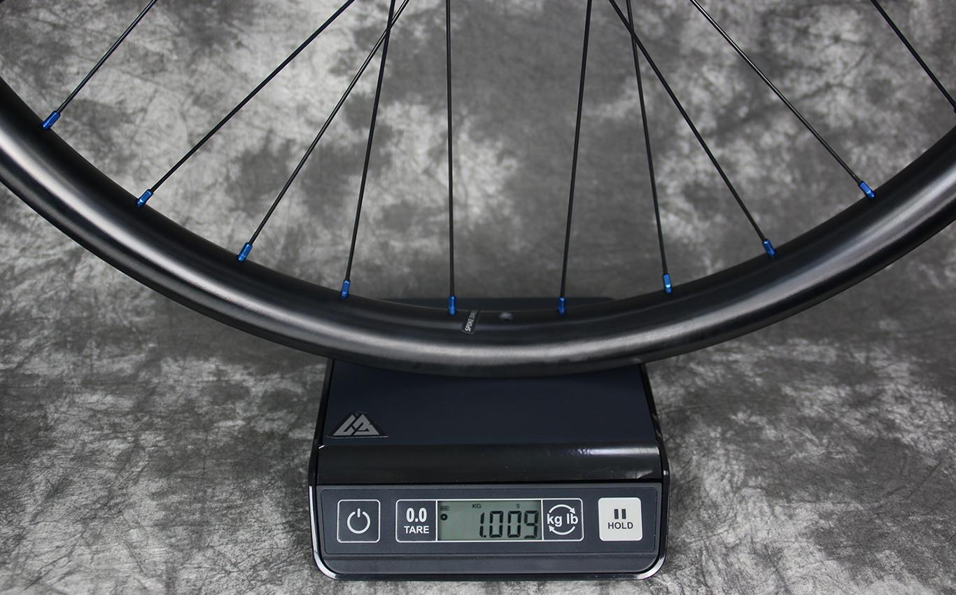 650b-mtb-en732-rear-carbon-wheel-measured-weight-1009g