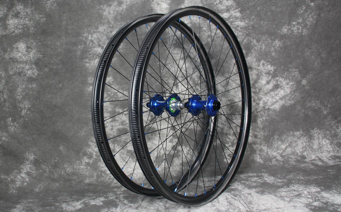 en732-650b-enduro-carbon-wheelset-hope-pro4-boost-hubs