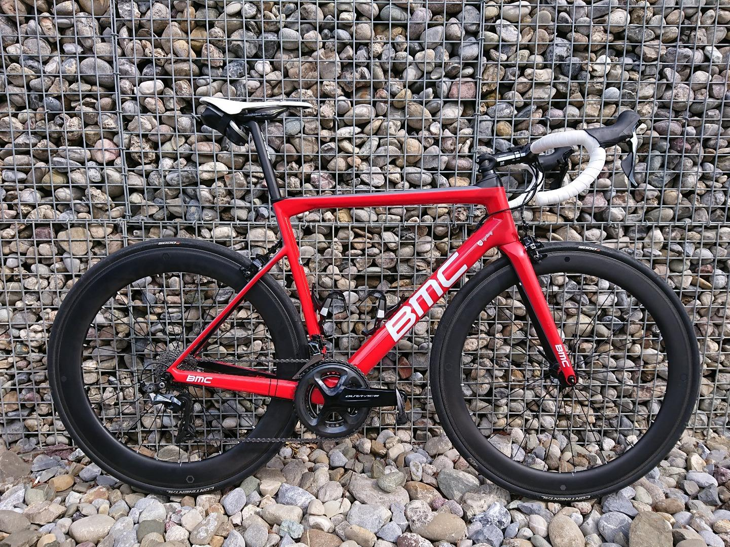 BMC-Teammachine-SLR01-2019-with-Light-Bicycle-R55-55mm-deep-non-disc-carbon-wheelset