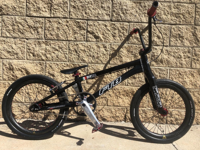 moto-g2-20inch-bmx-carbon-wheels-on-ftb-bmx-frameset-black
