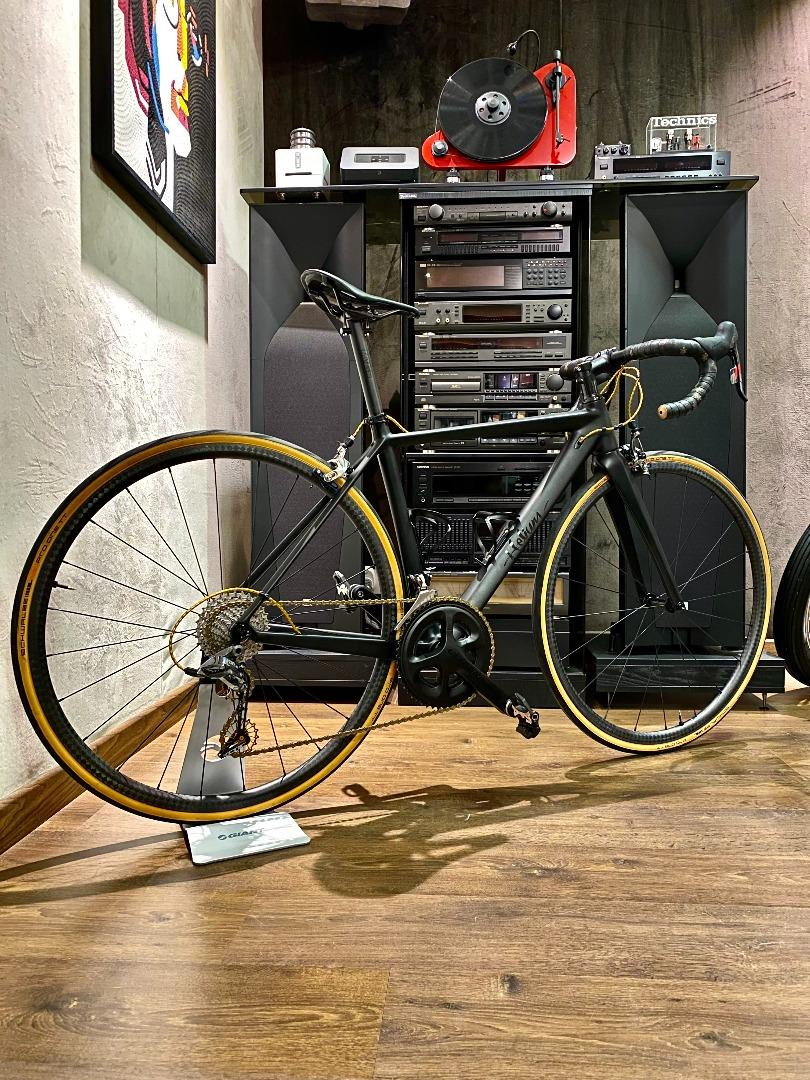 700c-R25-12k-carbon-gravel-wheelset-mounted-with-schwalbe-pro-one-tt-tires