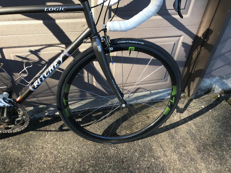 light-bicycle-r35-carbon-road-rim-brake-wheel-front