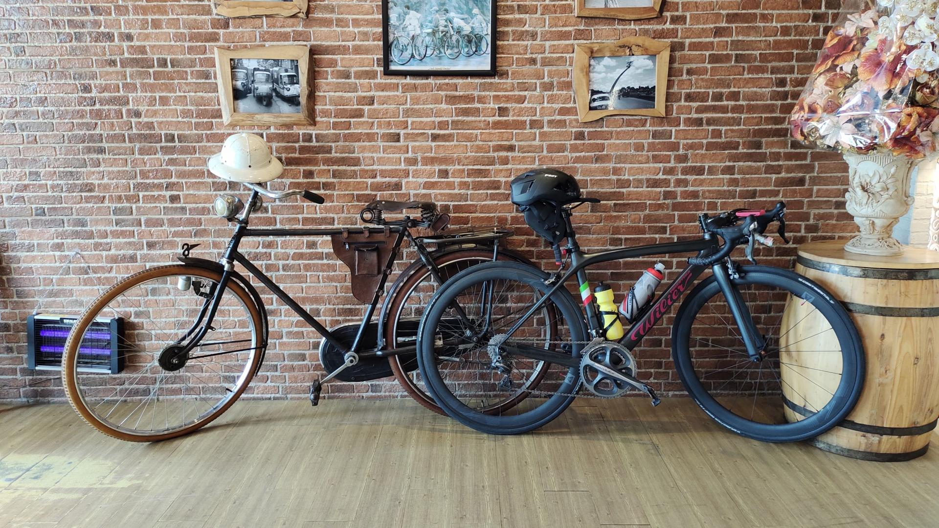 antique-vintage-bicycle-and-wilier-modern-road-bike