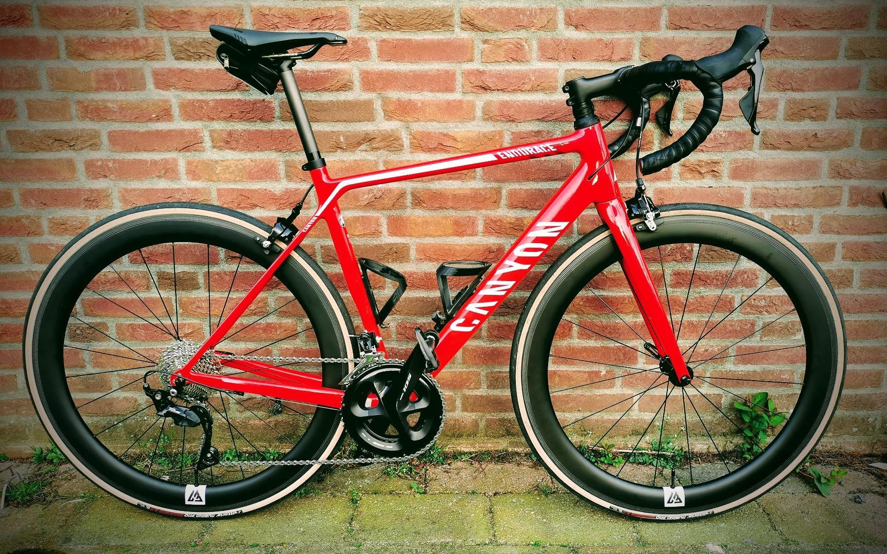 Canyon-Endurace-CF-7.0-on-light-bicycle-r55-carbon-wheelset