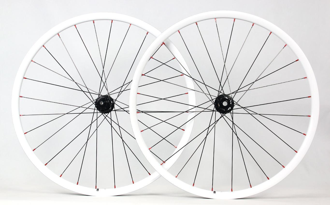 flyweight-rm29c06-carbon-fiber-wheelset-painted-white