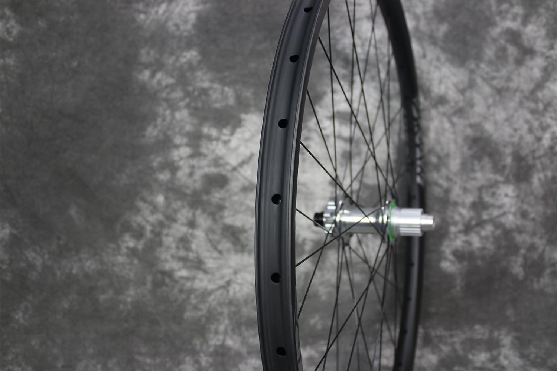 tubeless-compatible-RM29C19-29er-carbon-mtb-wheel-rear