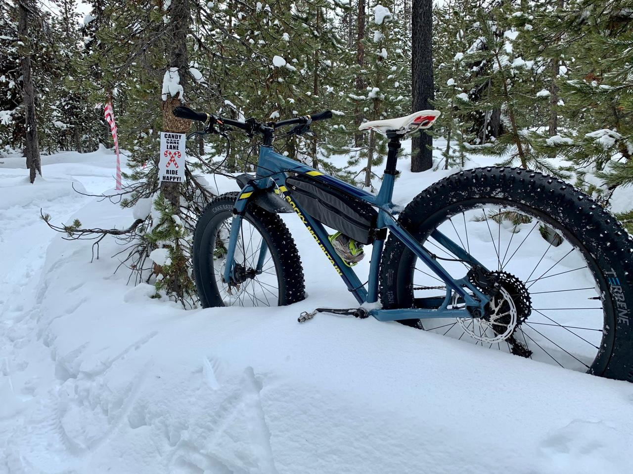 light-bicycle-27.5-rsnow05-carbon-wheels-on-rocky-mountain-fat-bike