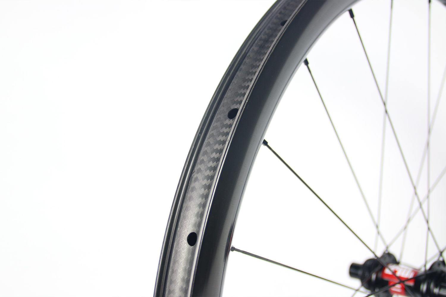 wr38-32mm-wide-tubeless-ready-carbon-wheels